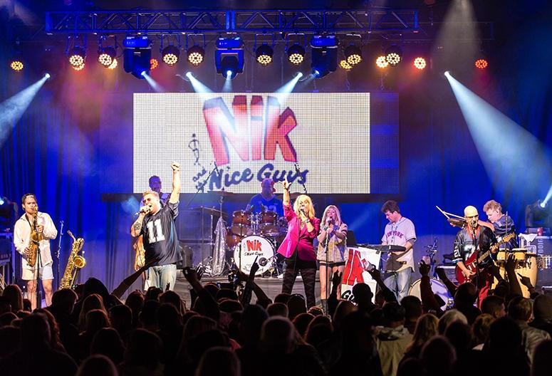 Nik and the Nice Guys 5